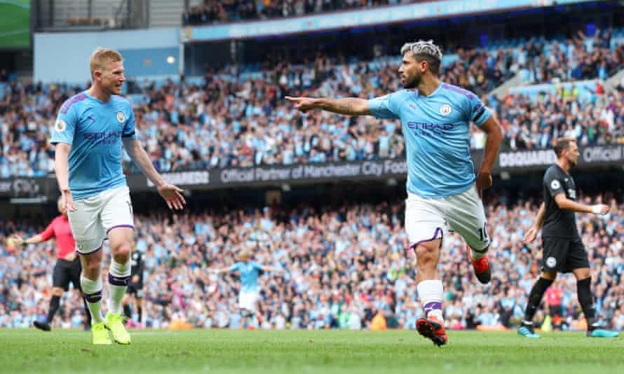 Sergio Agüero celebrates scoring Man City's second goal against Brighton with Kevin De Bruyne.