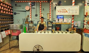 Rocambolesc ice-cream shop in Girona, created by Jordi Roca, one of the famous three Roca´s brothers, Catalonia, Spain, Europe.KP25CC Rocambolesc ice-cream shop in Girona, created by Jordi Roca, one of the famous three Roca´s brothers, Catalonia, Spain, Europe.
