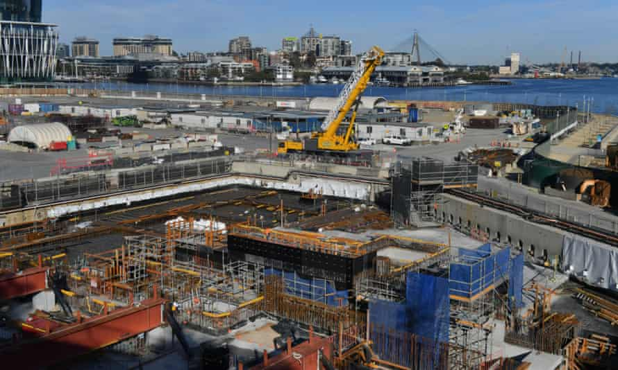 A building site at Sydney's Barangaroo Point sits empty and idle during the city's ban on construction work.