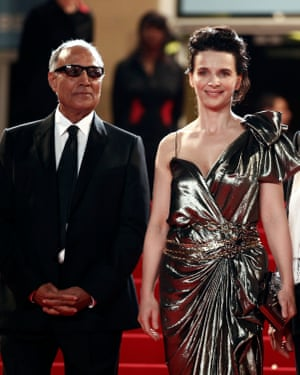 Kiarostami with frequent collaborator Juliette Binoche, Cannes 2010.