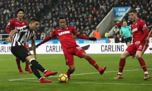 Joselu equalises from a narrow angle for Newcastle United.
