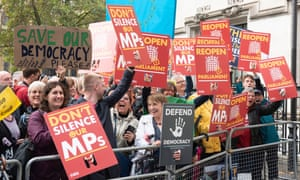 Anti Brexit protesters outside the supreme court