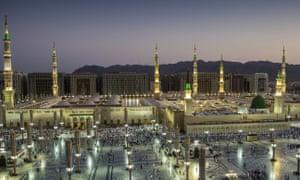 Muslim pilgrims visit Medina