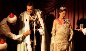 Hugh Bonneville and Gillian Anderson in Viceroy's House