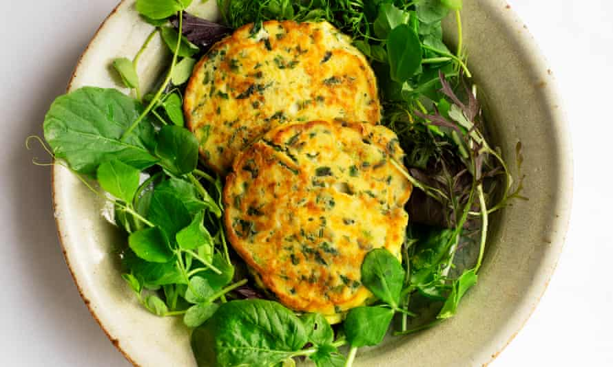 'These little cakes are surprisingly good-natured': spinach ricotta pancakes, soured cream.