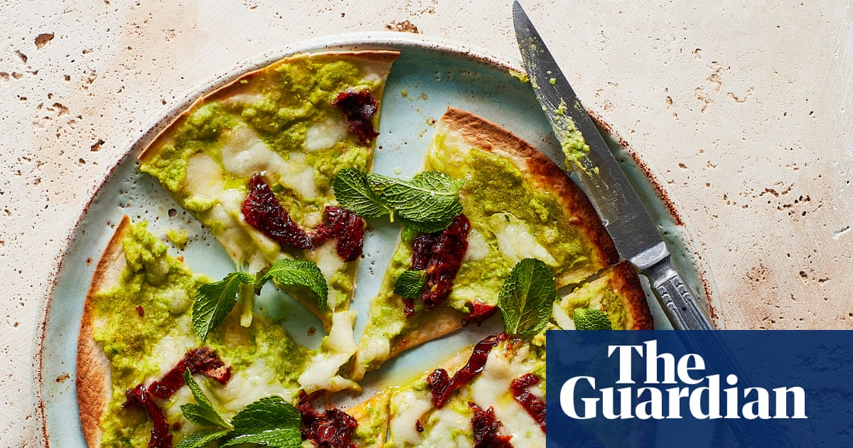Thomasina Miers' recipe for Mexican-style pizza with pea hummus