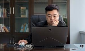 Sun Zeyu at work.