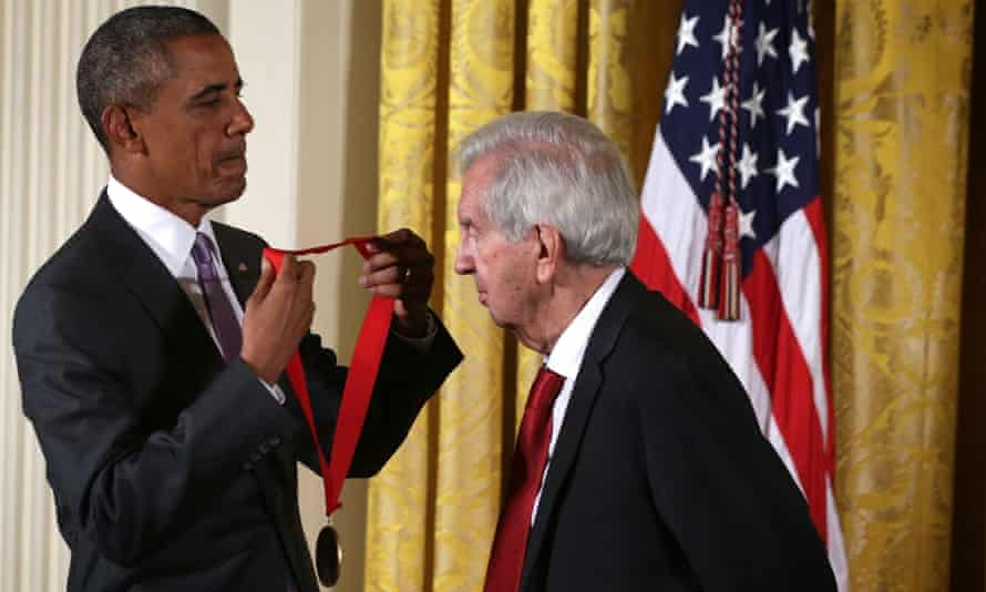 Barack Obama presenting novelist and screenwriter Larry McMurtry with a National Humanities Medal in 2015.