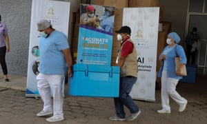 Health employees transport vaccines in Tegucigalpa, Honduras, 08 July 2021. Honduras received a second batch of Pfizer vaccines against covid-19 with a total of 54,990 doses purchased by the government that will go to workers in the tourism sector and popular markets.