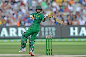Pakistan captain Mohammad Hafeez reached 50 as he led his country's chase of 221 at the MCG.