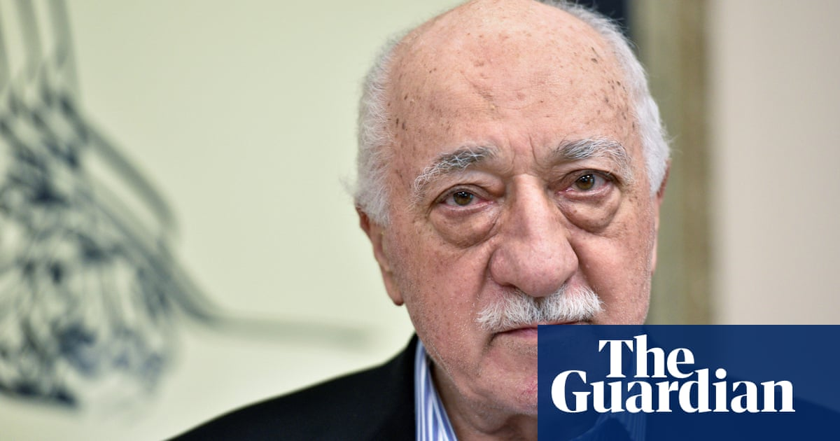 Turkey issues 1,100 arrest warrants for Gülenist coup