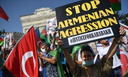 Pro-Azerbaijan protesters in Istanbul, Turkey, on 4 October.