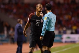 Timmy Chandler argues with the ref in San Jose.