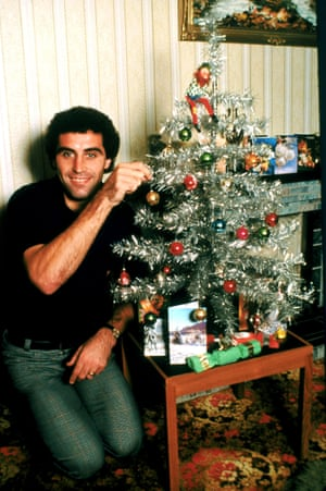Peter Shilton decorates his Christmas tree in 1980