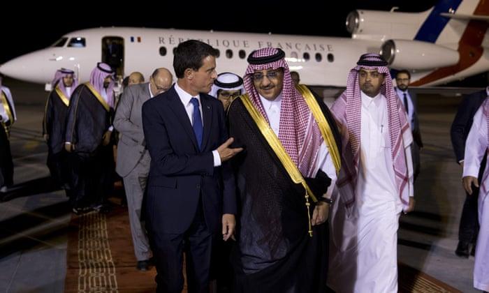 رئيس الوزراء الفرنسي فور وصوله إلى الرياض بالسعودية