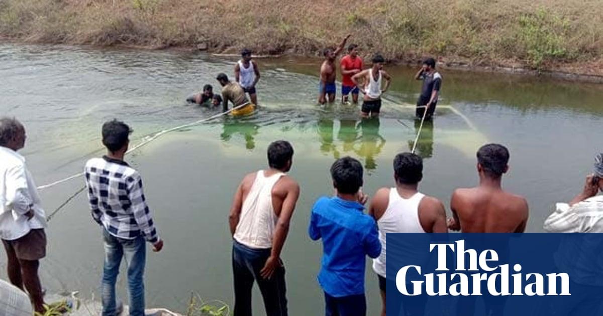 Schoolchildren among at least 25 killed in India bus crash