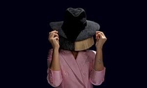 A grab-bag of seasonal tropes … Sia.