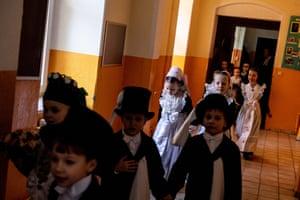 Sorbian schoolchildren wearing traditional costumes