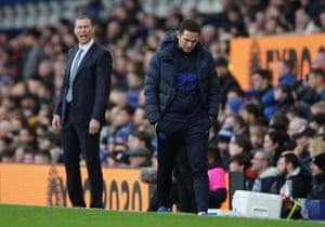 Chelsea manager Frank Lampard lopes off.