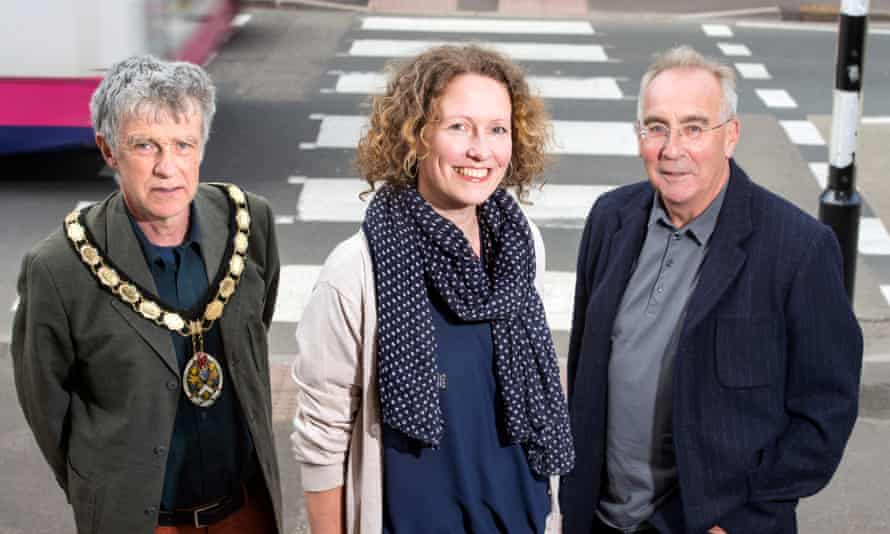 Peter Macfadyen, Kate Bielby and Mel Usher, independent councillors in Frome in 2015.