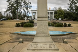 An obelisk that honors Thomas McKie Meriwether, the only white person who died in the Hamburg massacre.