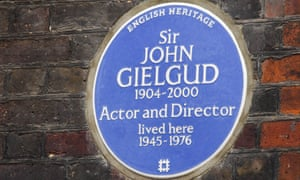 English Heritage's vblue plaque at Gielgud's London home.