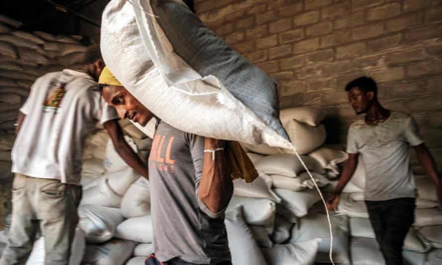 Wheat distribution in Ethiopia, which is slipping into famine