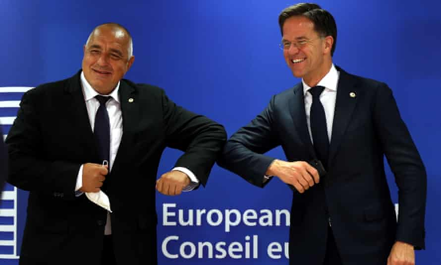 The Dutch prime minister, Mark Rutte (R), and his Bulgarian counterpart, Boyko Borissov (L), during the second day of negotiations.