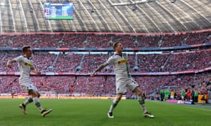 André Hahn draws the ire of the Bayern Munich faithful after equalising for Borussia Mönchengladbach and forcing on them a week's wait for a fourth consecutive Bundesliga title.