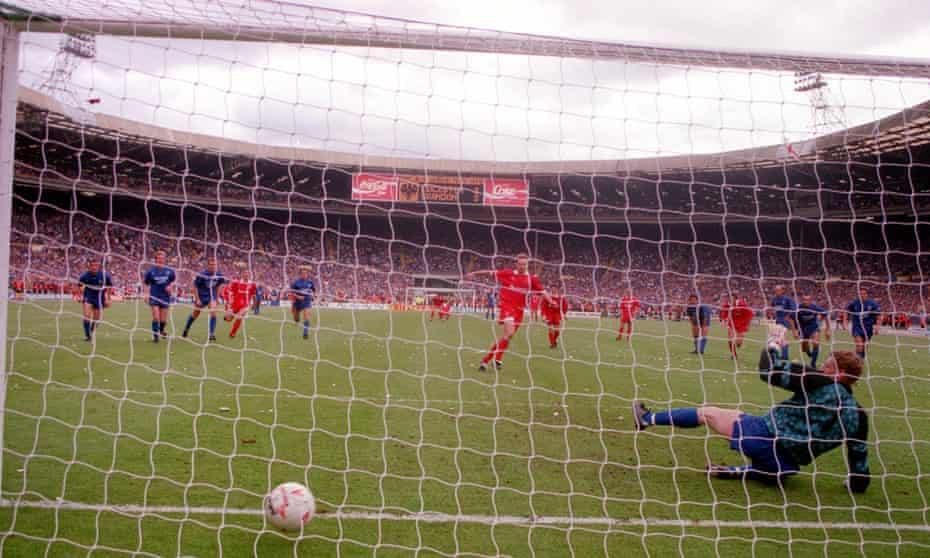 Paul Bodin scores the winning goal for Swindon against Leicester in the 1993 Division One play-off final.
