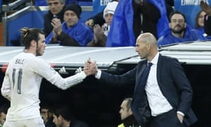 Real Madrid's Gareth Bale and Zinedine Zidane during the game against Deportivo