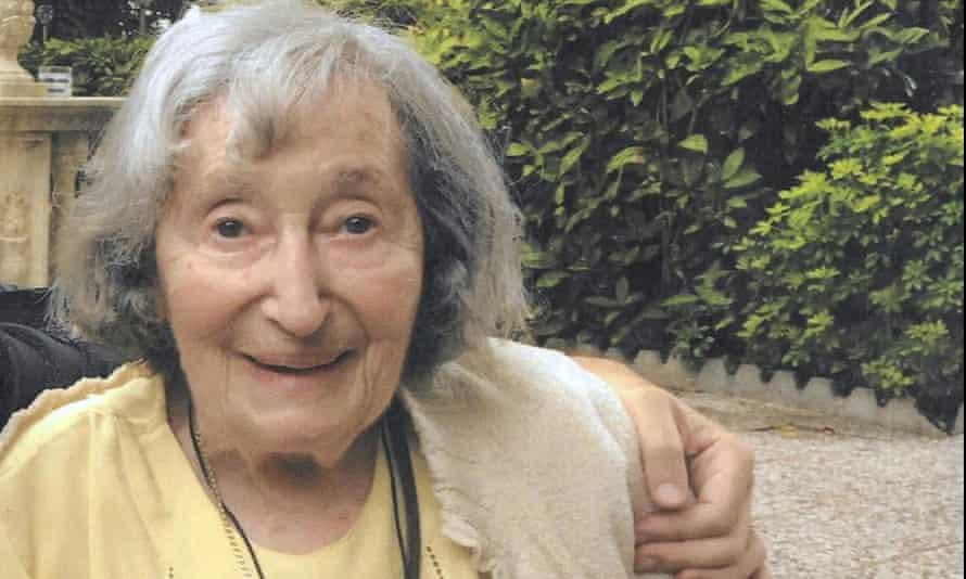 Mirellie Knoll
