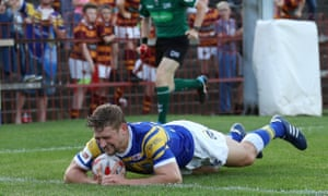 Jimmy Keinhorst scores in Leeds's Challenge Cup quarter-final against Leigh