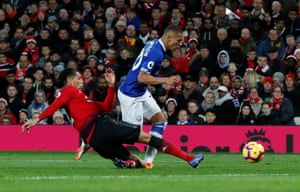 Richarlison, brought down by Smalling.