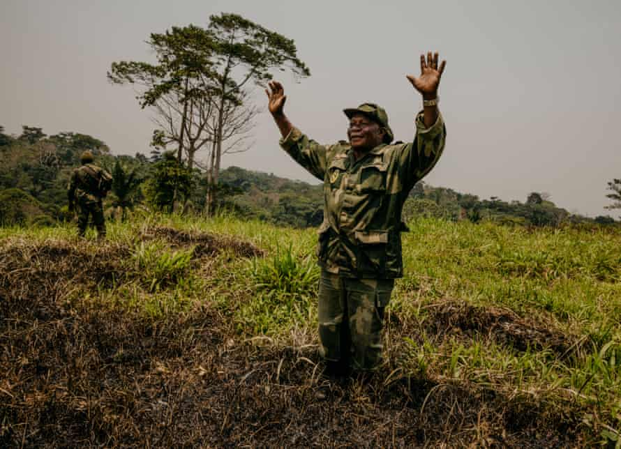 FARDC troops reenact the capture of an ADF insurgent from the Central African Republic