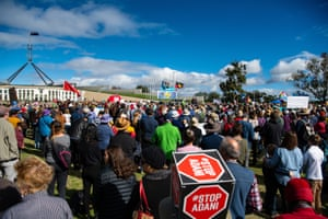An estimated crowd of 5000 people turned out to hear speakers including Richard Flanagan, Bob Brown and singer Paul Kelly at the Rally for Climate change on the lawns of Parliament House, Canberra.