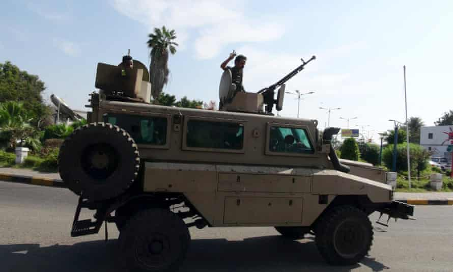 Militants loyal to Yemen's president in the southern port city of Aden.
