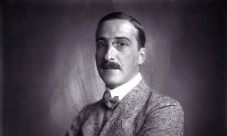 Austrian author Stefan Zweig, pictured circa 1920.