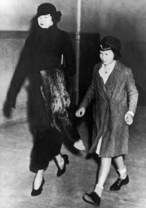 Vanderbilt with her aunt Gertrude Vanderbilt Whitney arrives at a New York court house in 1934. Her aunt sued for, and won custody of, Vanderbilt, alleging her mother was unfit to look after her.