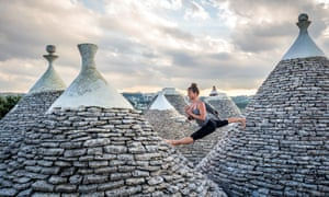 Kali Yoga, Italy