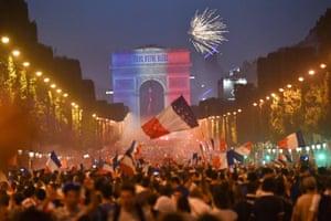 A view of the Champs-Élysées and the Arc de Triomphe