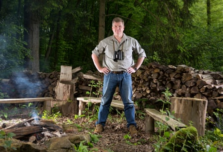 Ray Mears in the woods.
