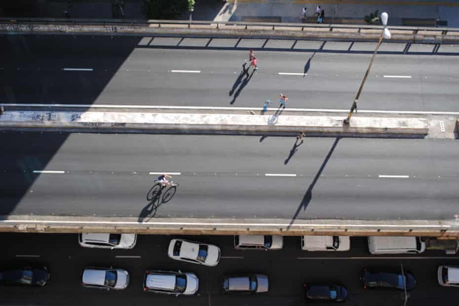 The Minhocão elevated highway in São Paulo, Brazil