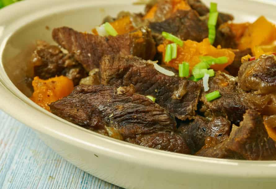 Гаяне, Pepperpot, месна яхния, Карибска кухня, Традиционни ястия с асорти, Изглед отгоре.