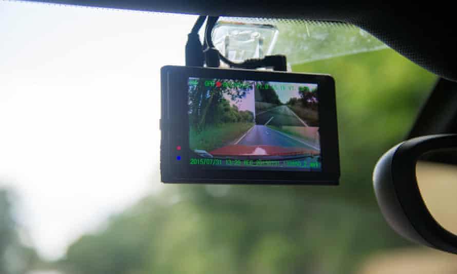 Dashcam car windscreen video