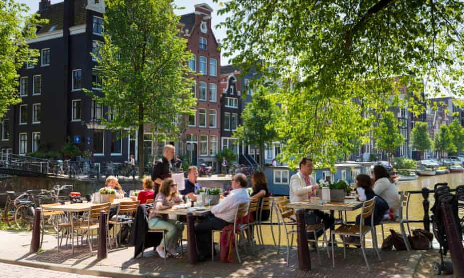 Soaking up the atmosphere: canalside dining by the Brouwersgracht and Herengracht canals.