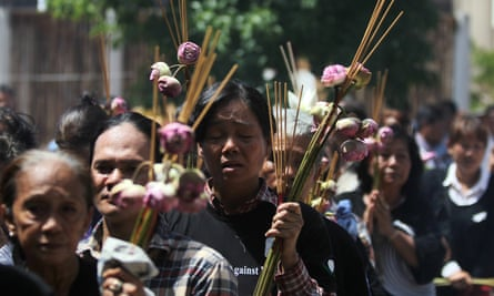 Mourners at the funeral of Kem Ley.