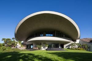 The Bob Hope residence, designed by John Lautner.