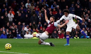 Chelsea's Willian scores their fourth goal.