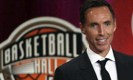 Steve Nash speaks during his induction ceremony to the Hall of Fame